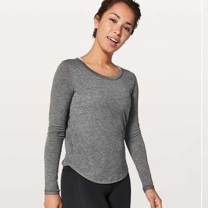 Lululemon gray long sleeve top size 2